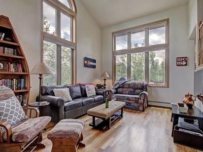 Photo for 9040 Beautiful & spacious home nestled in the woods. Sleeps 10