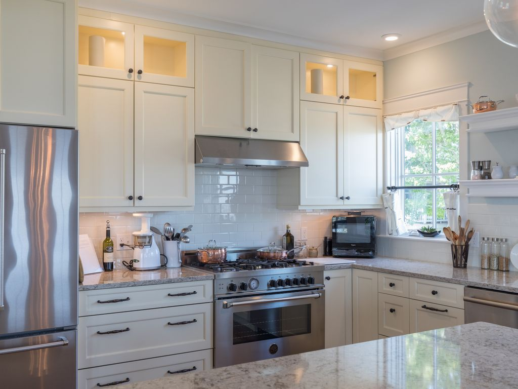 Property Image#2 Beautiful 2 Bed 3 Bath, Stunning Views Of Casco Bay And
