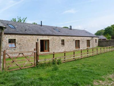 Photo for BASIL BARN, pet friendly, with open fire in Lancaster, Ref 913176