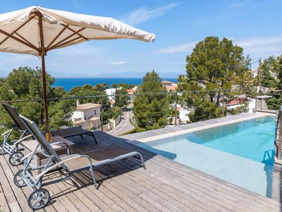 Photo for Cristina: Singular villa with sea view and pool
