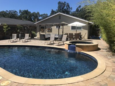 Pool, Spa, Huge Backyard, 3 Miles from Sonoma Square and 1 mile from Wineries