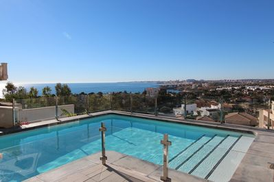 Views from terrace to the sea and Alicante!