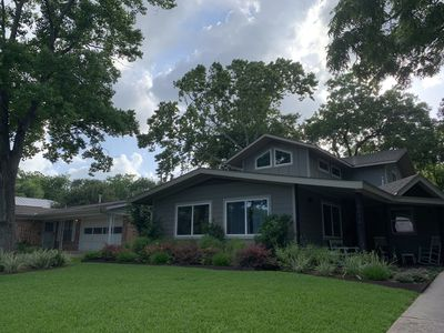 Photo for Beautiful Central Austin Home (4br/3ba) - Perfect for Adults and/or Families
