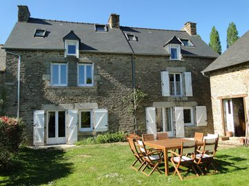Charming Cottage in Dinan near Dinard Saint Malo Mont Saint Michel