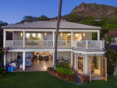 Photo for Makalapua - Diamond Head's most exquisite beachfront estate
