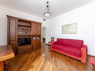 Photo for Hintown Band House di fronte al Terminal Traghetti apartment in Genoa with WiFi & air conditioning.