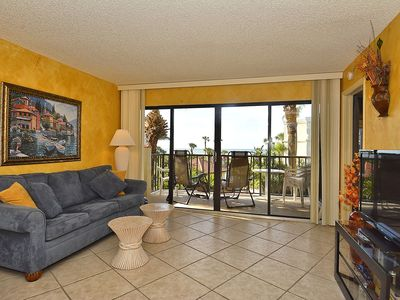 Photo for Land's End #303 building 1 - Spacious 1 bdrm / Across from POOL!!!!