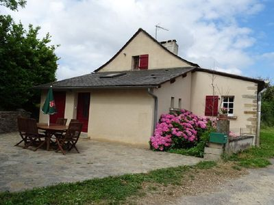 Photo for Isolated cottage in the countryside. 5 minutes from all shops