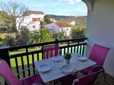 Photo for Lovely apartment in villa with pool, WIFI, TV, washing machine and parking
