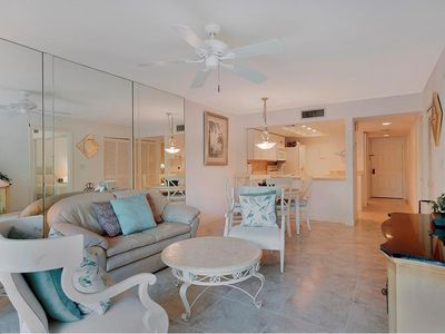 Photo for Park Shore Condo just steps from The Venetian Village
