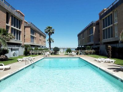 Photo for Lovely condo. Community Pool, Private Pier! Fabulous View!