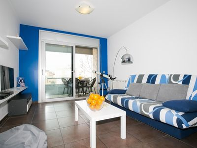 Photo for Very spacious and modern apartment in the center of Roses just 250 meters from the beach.