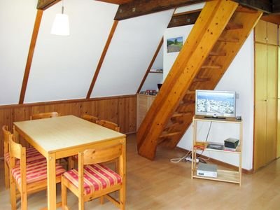 Photo for Lovely apartment for 6 people with TV, balcony, pets allowed and parking