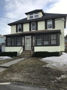 Photo for Beautiful home, hardwood & granite, close to turnpike, airport, mall & downtown
