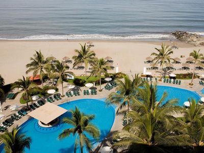 Photo for Ocean Breeze Nuevo Vallarta Family Suites