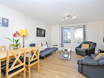 Photo for Central Edinburgh - The Meadows 2 bed Apartment.