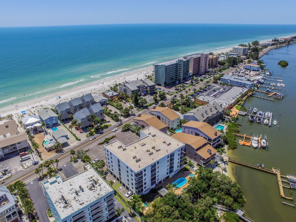 Beach Condo On Sand Key Barrier Islands Access To Both Beach And Intracoastal Indian Shores