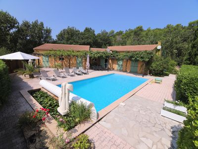 Photo for Holiday Villa, 195m2, 4 ch. 8 people, facing south, 10m swimming pool, enclosed property