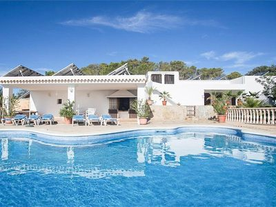 Photo for 5 bedroom Villa, sleeps 10 with Pool, FREE WiFi and Walk to Shops