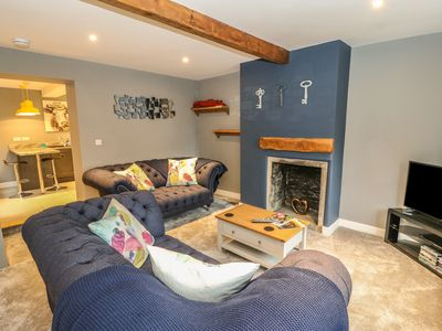 Photo for ROTCHER COTTAGE, family friendly in Holmfirth, Ref 979705