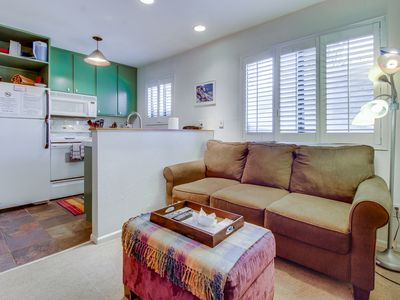 Photo for Cozy, colorful condo w/ shared pool & hot tub - two miles from Eagle Lodge