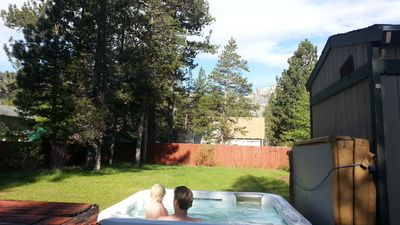 Photo for Hot tub w view, 3 BD, large enclosed yard, bright home, permit#2613