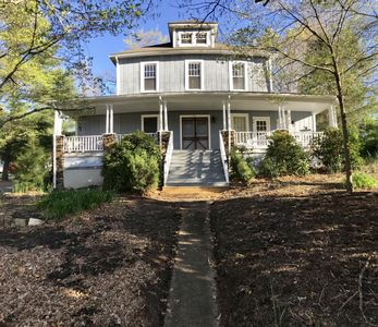 Photo for *Bright New Reno, 1 block from downtown Black Mountain, 15min to Asheville