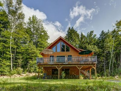 Gorgeous 4BR Log Home Near Storyland & North Conway. AC, Large Deck, WiFi!