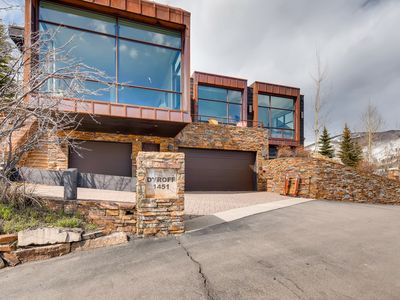 Photo for Stunning West Vail Contemporary Home