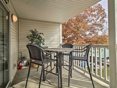 Photo for NEW! Cozy Condo w/Dock, Pool on Lake of the Ozarks
