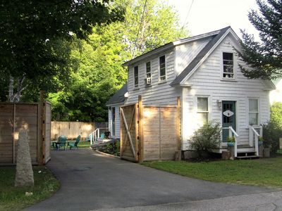 Photo for The Charming Conway Cottage is centrally located to all the  Valley activities!