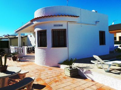 Photo for 3 bedrooms; to 8 people; 2 bathrooms; 0.2km to the beach; Dogs welcome, parking, pool