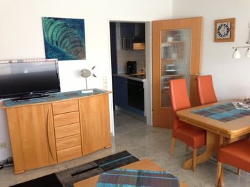 Great vacation apartments, gr. Pool, Prestigious area, 2 terraces, close to beach, quiet