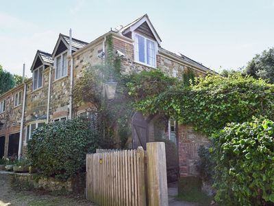 Photo for 4 bedroom property in Brighstone. Pet friendly.