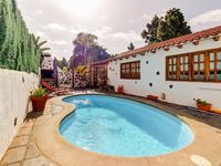 An excellent little property in a quiet location with easy access to Icod and to the TF5