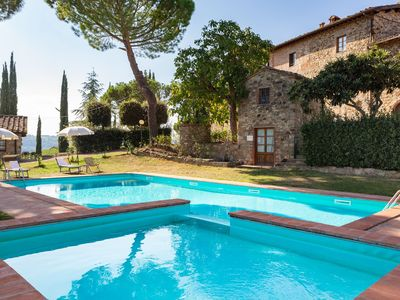 Photo for Apartment in villa with pool, WIFI, TV, terrace, panoramic view, parking, close to Greve In Chianti