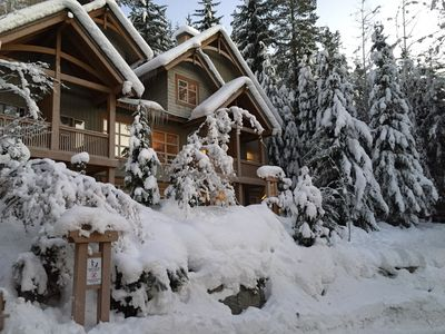 Photo for Ski in/out, 3 Bedrooms, Private Hot Tub, Sleeps 8, Fabulous Views!
