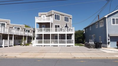 Photo for Lovely townhome featuring central air, 4 bedrooms and 3 full baths