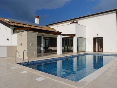 Photo for Villa with privated heated pool and indor hydromassage