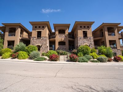 Photo for Upscale 2 Bedroom Condo with Lots of Amenities