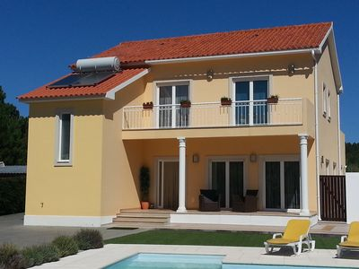 Spacious villa with private pool in Foz do Arelho