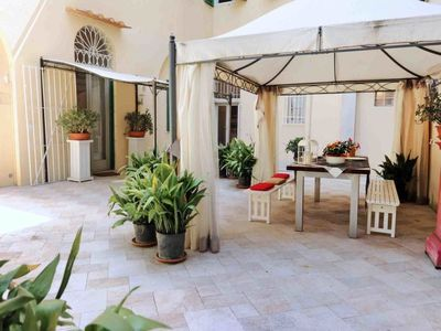 Photo for 4 bedroom Apartment, sleeps 8 with Air Con, FREE WiFi and Walk to Shops