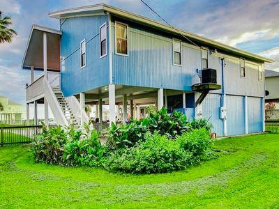 Photo for NEW LISTING! Dog-friendly home w/ deck, enclosed yard, & private beach access