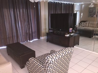 Living Room with Flat screen