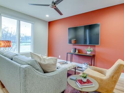 Photo for HEAT ✷ STEAMING HOT TOWNHOME ✷ TOP FLOOR BALCONY