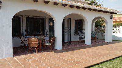 Photo for Independent family villa near the beach. Free WIFI.