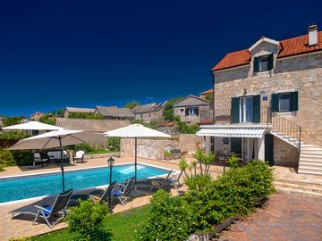 NEW RENOVATED 100 YEAR OLD STONE VILLA WITH  HEATED POOL  Villa Nikola Solta
