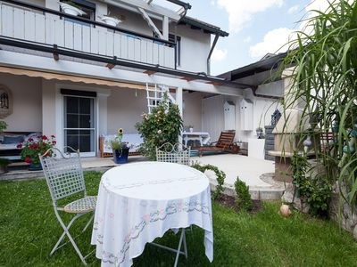 Photo for Exclusive apartment with garden and terrace on Lake Starnberg up to 4 persons