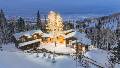 Photo for Winter Way at the Colony | Ski-In/Ski-Out| Theater | Guest House | Concierge
