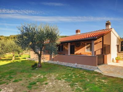 Photo for Holiday house Pula for 1 - 4 persons with 1 bedroom - Detached holiday house